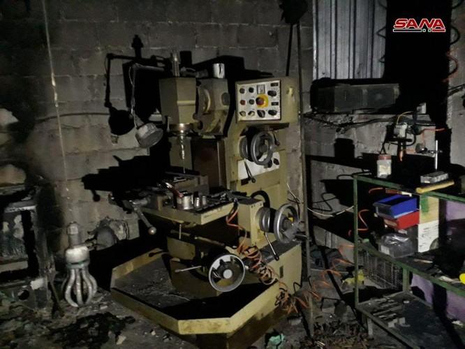 """Quân đội Syria chiếm giữ nhà máy vũ khí lớn của phe thánh chiến ở """"pháo đài"""" Douma ảnh 3"""