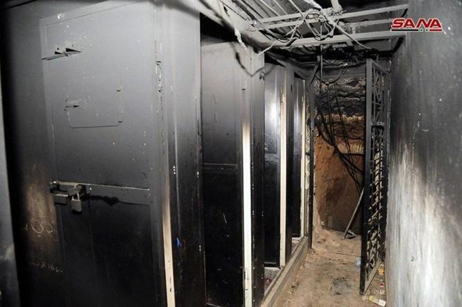 Kinh hoàng nhà tù khiến 5.000 người mất mạng của phe thánh chiến ở tử địa Douma, Syria ảnh 5