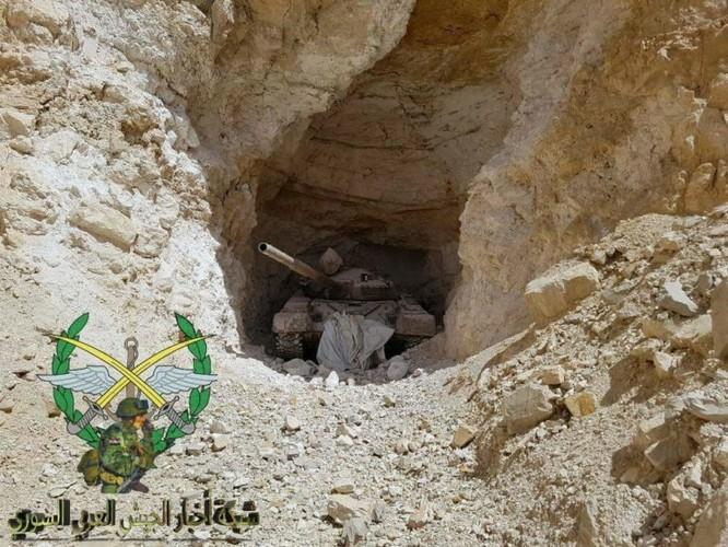 Bức hàng phe thánh chiến, quân đội Syria chiếm 37 xe tăng và 15 tên lửa đạn đạo ảnh 2