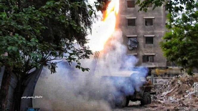 Quân đội Syria giáng đòn chí mạng vào IS tử thủ ven Damascus ảnh 3