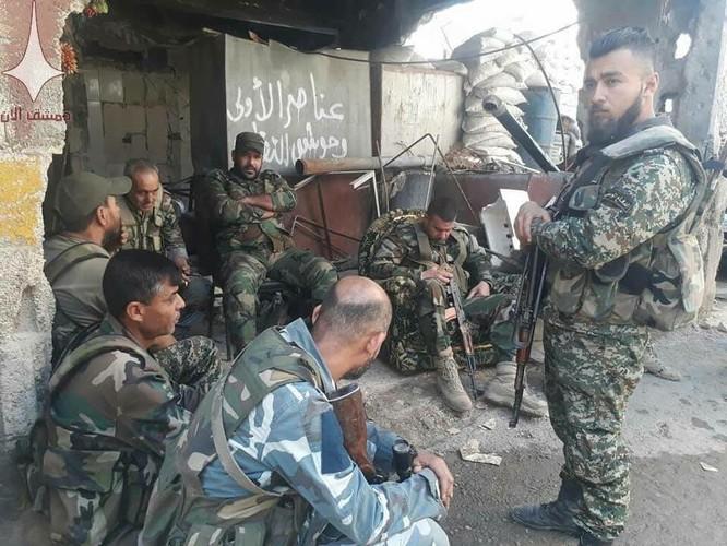 Cuộc chiến tàn khốc trong tử địa nam Damascus, Syria ảnh 5