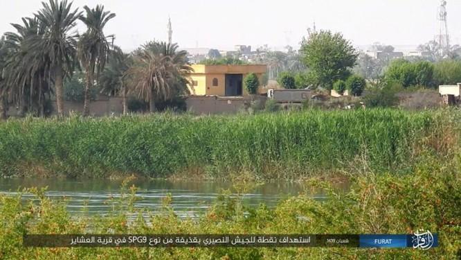 IS bất ngờ tấn công quân đội Syria trên sa mạc Deir Ezzor ảnh 1
