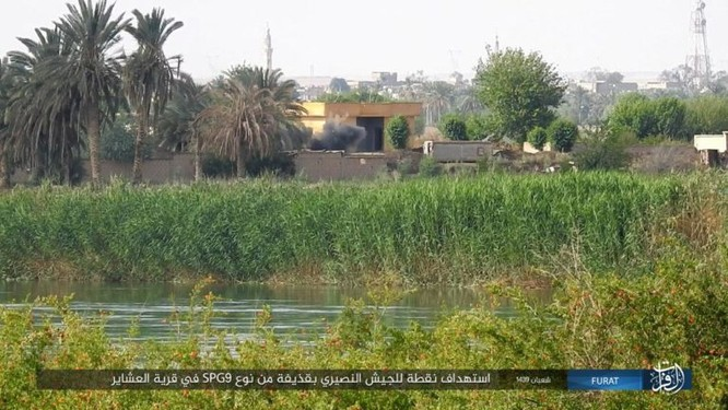 IS bất ngờ tấn công quân đội Syria trên sa mạc Deir Ezzor ảnh 2