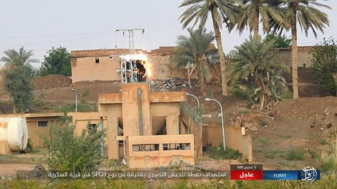 IS bất ngờ tấn công quân đội Syria trên sa mạc Deir Ezzor ảnh 4