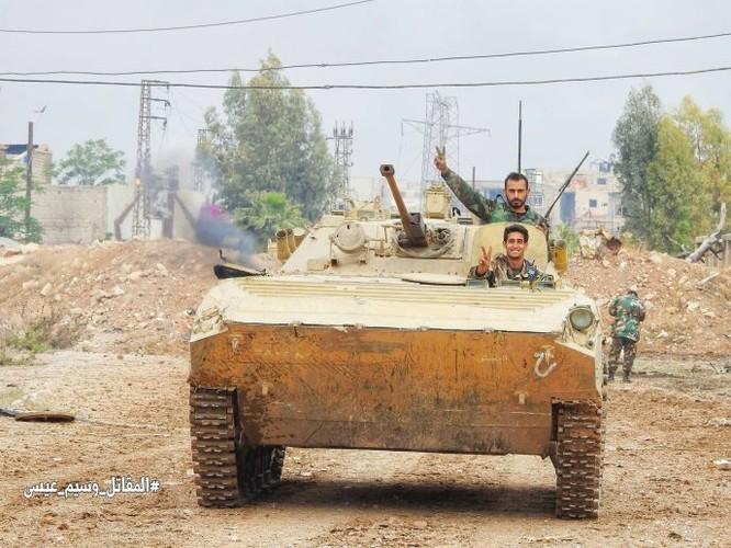 Quân đội đánh bật IS, chiếm 3 khu phố lớn ở nam Damascus ảnh 9