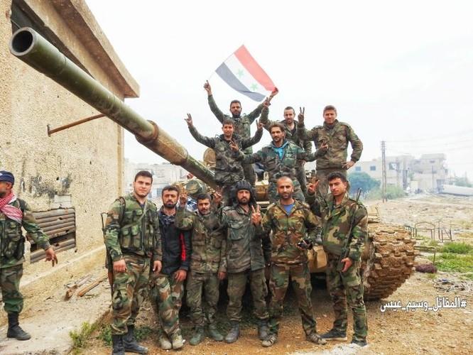 Quân đội đánh bật IS, chiếm 3 khu phố lớn ở nam Damascus ảnh 11