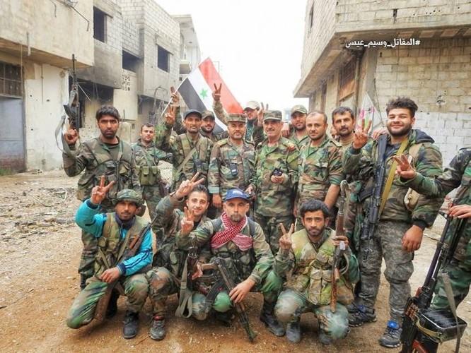 Quân đội đánh bật IS, chiếm 3 khu phố lớn ở nam Damascus ảnh 12