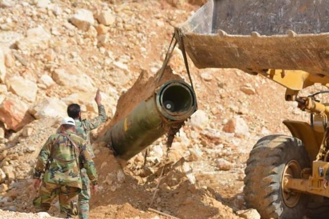 Quân đội Syria chiếm giữ kho vũ khí khủng và tên lửa đạn đạo của phe thánh chiến ở Qalamoun ảnh 1