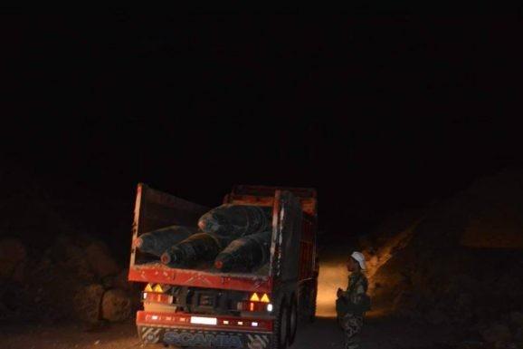 Quân đội Syria chiếm giữ kho vũ khí khủng và tên lửa đạn đạo của phe thánh chiến ở Qalamoun ảnh 9