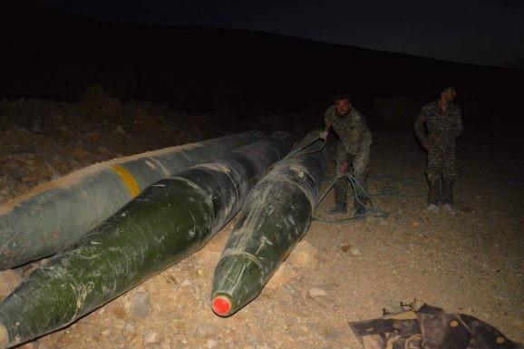 Quân đội Syria chiếm giữ kho vũ khí khủng và tên lửa đạn đạo của phe thánh chiến ở Qalamoun ảnh 10
