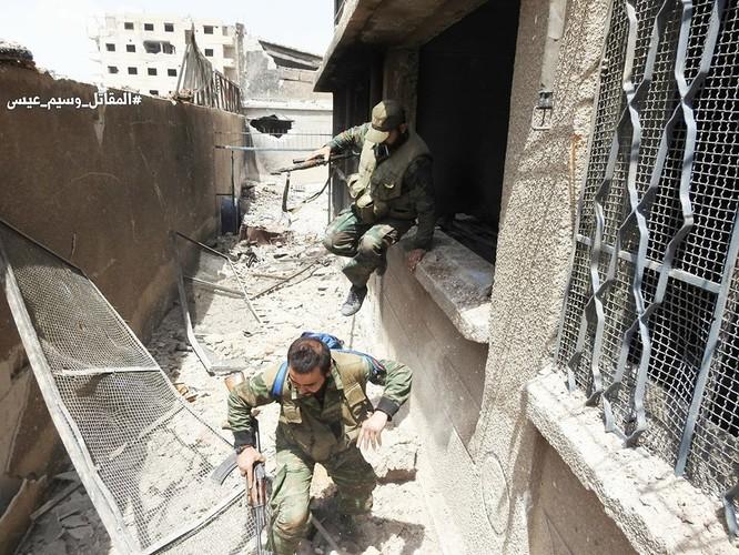 Quân đội Syria tấn công dữ dội trả thù IS sau vụ hành quyết dã man ảnh 8