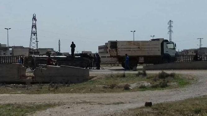 Quân nổi dậy đầu hàng nộp vũ khí, Al-Qaeda quyết chống quân đội Syria ở Rastan ảnh 1