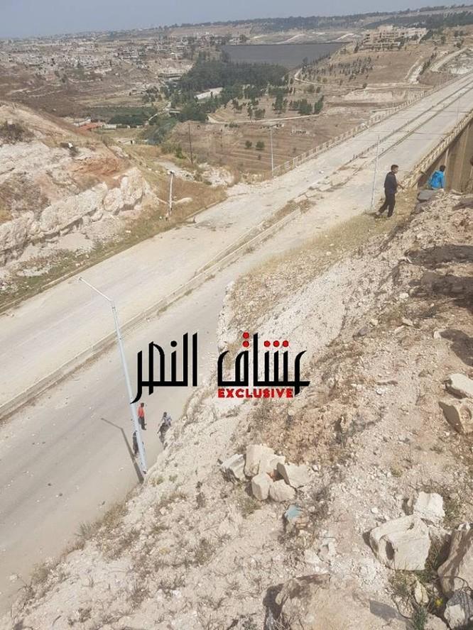 Quân nổi dậy đầu hàng nộp vũ khí, Al-Qaeda quyết chống quân đội Syria ở Rastan ảnh 2