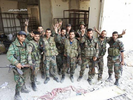 Nga dội lửa, quân đội Syria hợp vây chia cắt IS trong nồi hầm nam Damascus ảnh 2