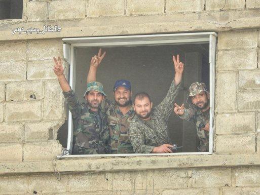 Nga dội lửa, quân đội Syria hợp vây chia cắt IS trong nồi hầm nam Damascus ảnh 5