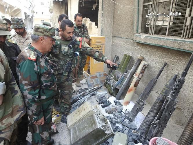 Quân thánh chiến Syria cố thủ ven Damascus đầu hàng, di tản về miền bắc Aleppo ảnh 1