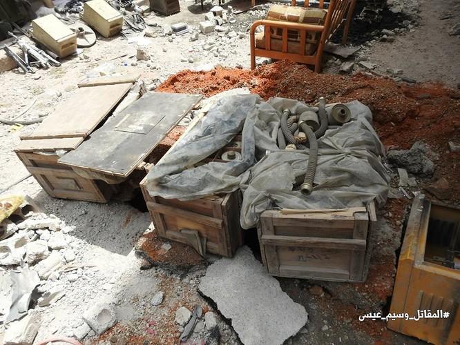 Quân thánh chiến Syria cố thủ ven Damascus đầu hàng, di tản về miền bắc Aleppo ảnh 4
