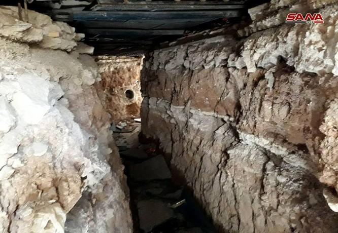 Kinh hoàng hệ thống hầm hào của IS trong tử địa Yarmouk, Syria ảnh 1