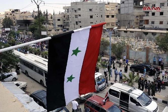 Quân đội Syria thượng cờ trong 3 quận ven Damascus sạch bóng thánh chiến ảnh 1