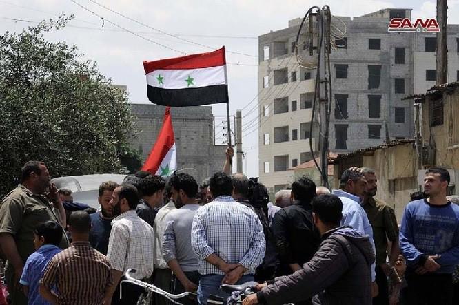 Quân đội Syria thượng cờ trong 3 quận ven Damascus sạch bóng thánh chiến ảnh 3