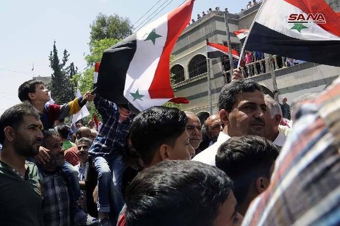 Quân đội Syria thượng cờ trong 3 quận ven Damascus sạch bóng thánh chiến ảnh 6