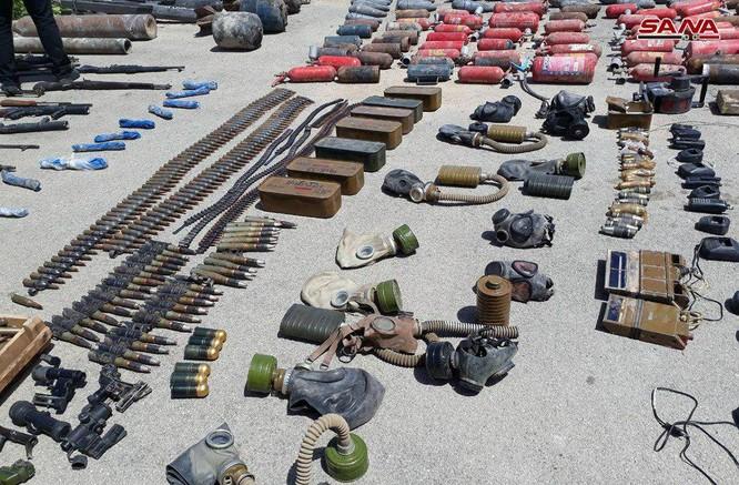 Quân cảnh Nga, Syria chiếm kho vũ khí khổng lồ của phe thánh chiến ven Damascus ảnh 1