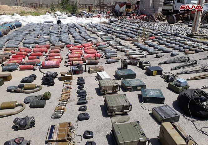 Quân cảnh Nga, Syria chiếm kho vũ khí khổng lồ của phe thánh chiến ven Damascus ảnh 2