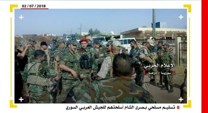 Phe thánh chiến Syria đầu hàng, nộp vũ khí hạng nặng cho quân chính phủ ở Daraa ảnh 2