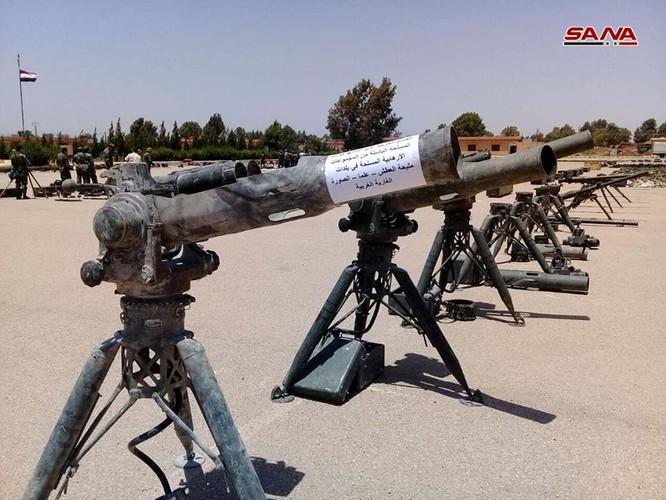 """""""Hổ Syria"""" tốc chiến chiếm giữ lượng lớn vũ khí khổng lồ của quân thánh chiến ở Daraa ảnh 1"""
