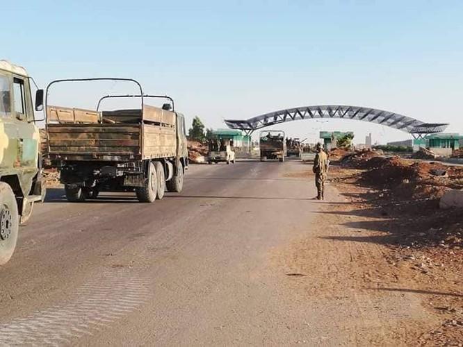 Đánh bại thánh chiến, quân đội Syria thượng cờ tại cứ địa trên biên giới Jordan ảnh 3