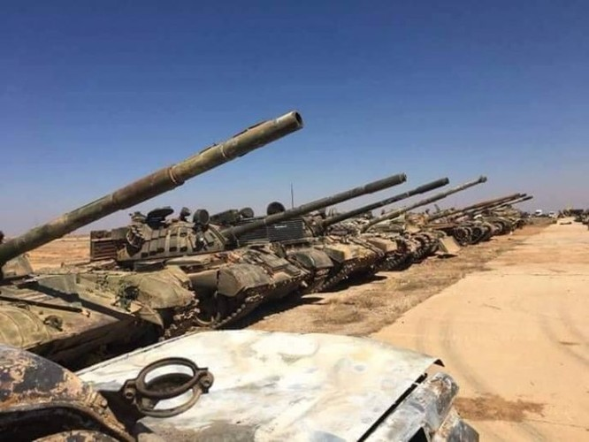 """Tướng """"Hổ Syria"""" thanh sát vũ khí chiếm giữ của quân thánh chiến ảnh 1"""