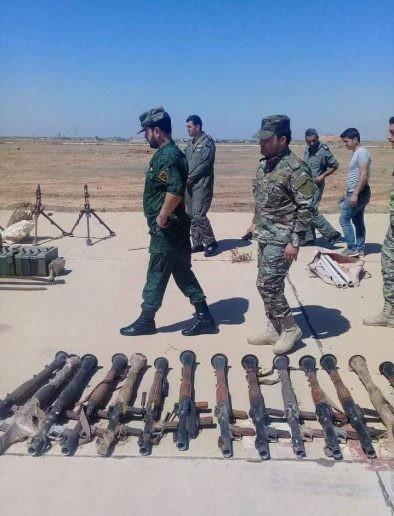 """Tướng """"Hổ Syria"""" thanh sát vũ khí chiếm giữ của quân thánh chiến ảnh 2"""