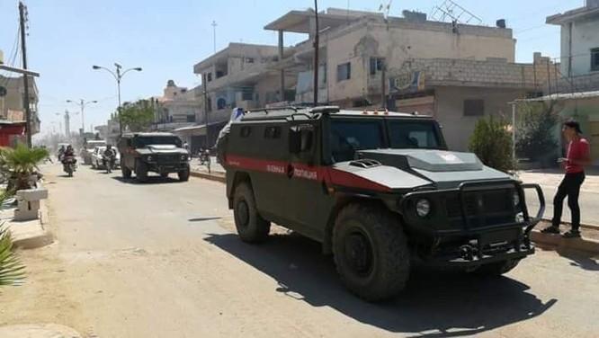 Quân cảnh Nga tiến vào cứ địa thánh chiến tại Daraa, thêm một thị trấn đầu hàng ảnh 2