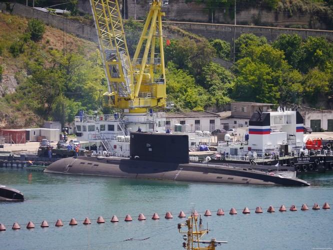 """""""Hố đen đại dương"""" Nga được trang bị ngư lôi khủng ảnh 1"""