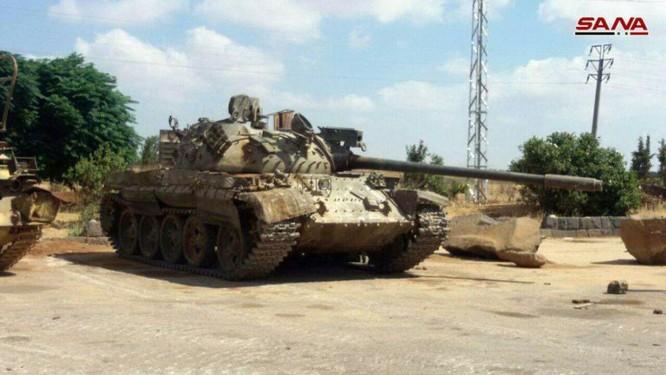 Quân đội Syria chiếm hàng loạt xe tăng thiết giáp phe thánh chiến tại Daraa ảnh 1