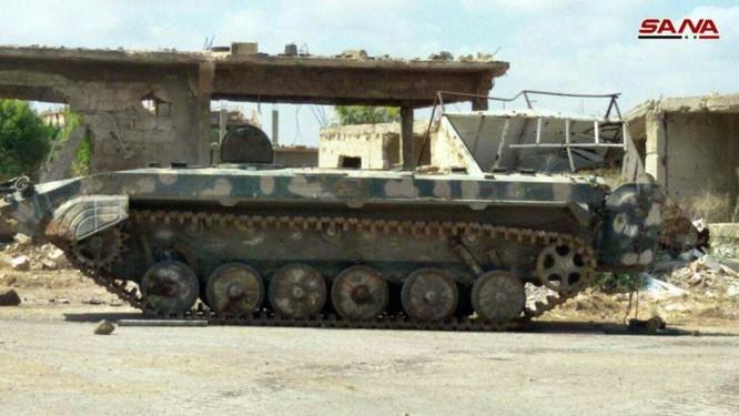 Quân đội Syria chiếm hàng loạt xe tăng thiết giáp phe thánh chiến tại Daraa ảnh 3