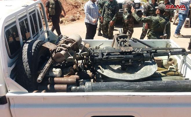 Quân đội Syria chiếm giữ nhiều vũ khí, giải phóng hàng loạt cứ địa thánh chiến ở Quneitra ảnh 2