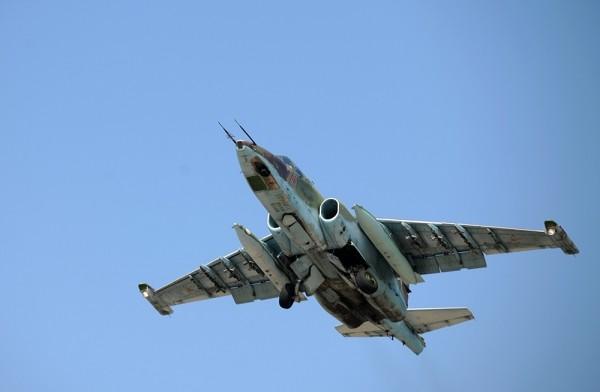 """""""Xe tăng bay"""" Su-25 Nga và """"thần sấm"""" A-10C Mỹ, ai mạnh hơn? ảnh 1"""