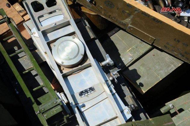 Quân đội Syria chiếm lượng vũ khí khổng lồ của IS tại chiến địa Daraa ảnh 10