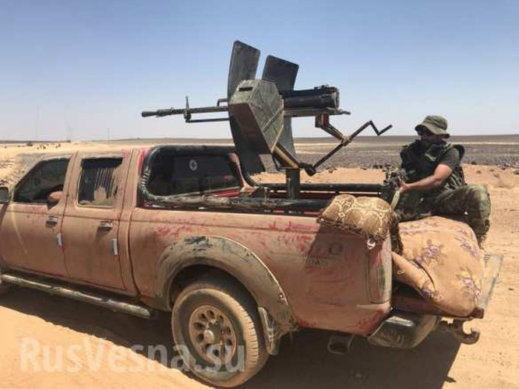 Quân đội Syria siết chặt vòng vây, quyết diệt sạch tay súng IS ở sa mạc đen ảnh 2