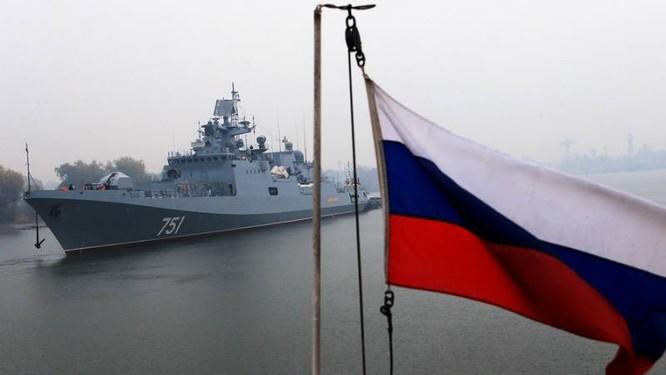"""Báo Trung Quốc """"nổ"""": Không phải Nga, Mỹ mới xứng là đối thủ hải quân của PLA ảnh 1"""