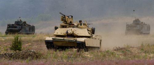 """Quyết đấu với siêu tăng Armata Nga, Mỹ """"bùa phép"""" 2 phiên bản Abrams ảnh 5"""