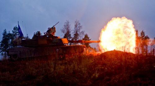 """Quyết đấu với siêu tăng Armata Nga, Mỹ """"bùa phép"""" 2 phiên bản Abrams ảnh 6"""