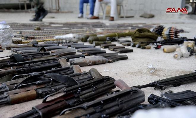 Quân đội Syria chiếm kho vũ khí bí mật của phiến quân Al-Qaeda gần Damascus ảnh 9
