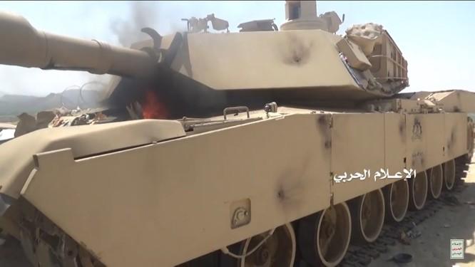 Houthi thiêu hủy một xe tăng M1A2 Abrams của quân đội Ả rập Xê-út ảnh 4