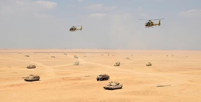 Tăng Mỹ Abrams gầm thét với hỏa lực yểm trợ của Shilka và Grad Nga ảnh 4