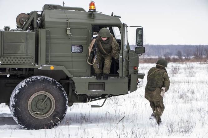 Nga có vũ khí tác chiến điện từ chuyên chế áp máy bay cảnh báo sớm từ khoảng cách 400 km ảnh 2