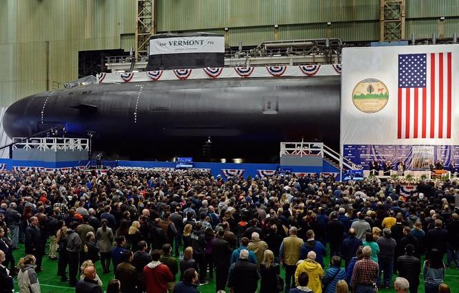 Hải quân Mỹ hạ thủy 2 tàu ngầm nguyên tử tấn công lớp Virginia ảnh 1