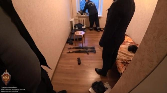 Nga bắt giữ một nhóm IS ở Moscow, ngăn chặn các vụ khủng bố dây chuyền ảnh 4