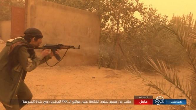 Lực lượng Dân chủ Syria lại thảm bại trước IS, hàng chục chiến binh thiệt mạng ảnh 10